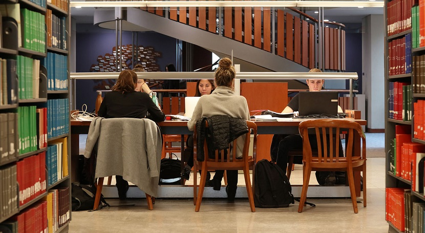 Queen's University Library and Archives image